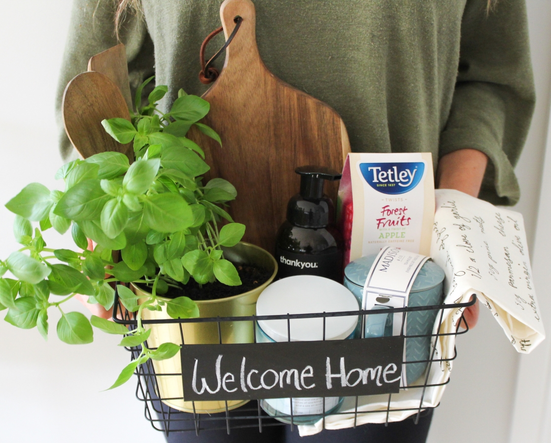 DIY Housewarming Basket: How to Create The Perfect Housewarming Gift